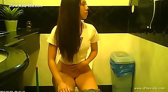 peeping taiwan women go to toilet
